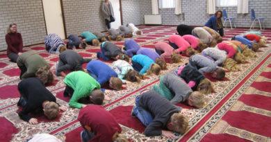 děti v mešitě
