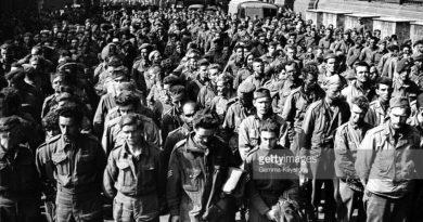 Paříž přehlídka vězněných spojenců
