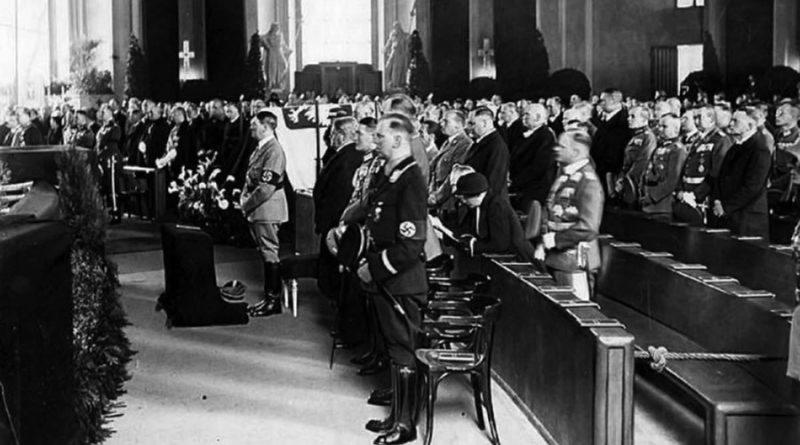 Piłsudski Hitler