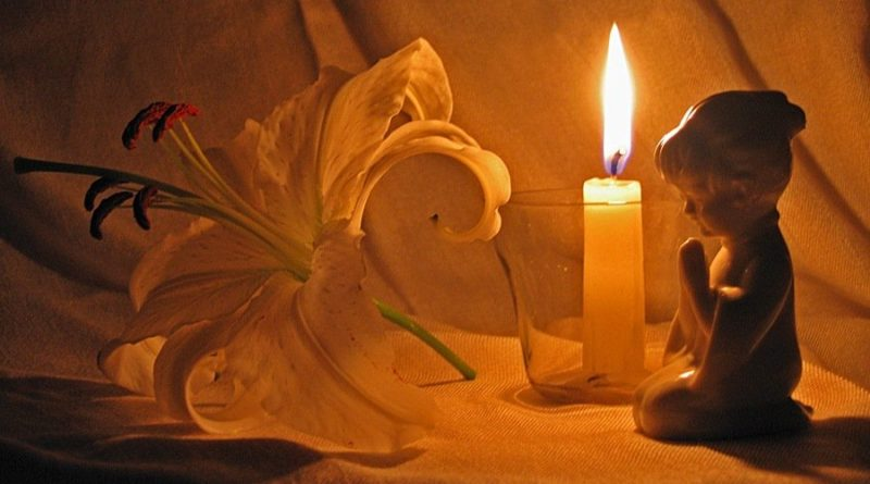 svíčka věčná památka