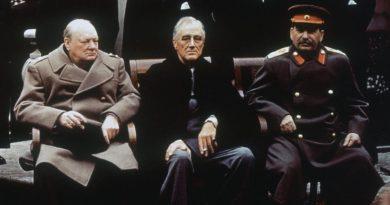 Jaltská konference Churchill Roosevelt a Stalin na konferenci v Jaltě, pokec24