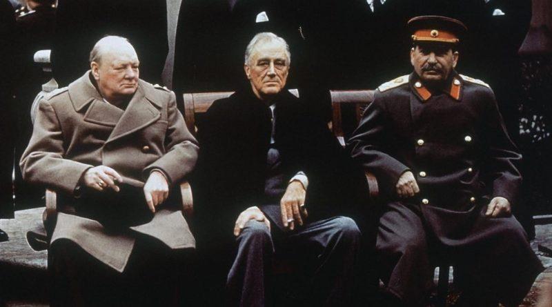 Churchill Roosevelt a Stalin na konferenci v Jaltě