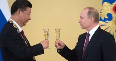 pripitek Putin Rusko a Cina