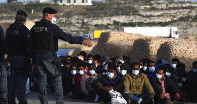 itálie polizia migranti