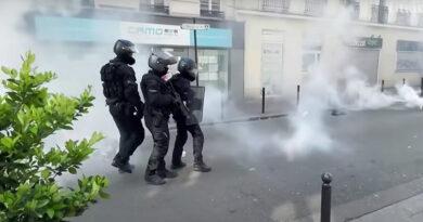 Francie covio protest1